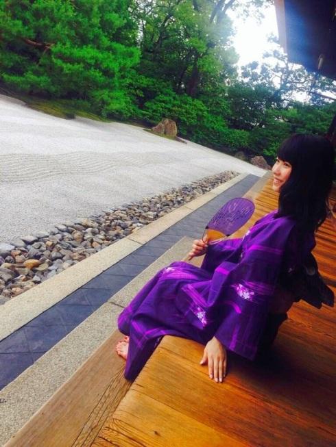 yui yokoyama purple yukata